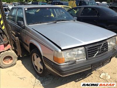 Volvo 940 Turbo Bontott Alkatrész Alkatrészek 2.3 Benzin  1990 Évjárat