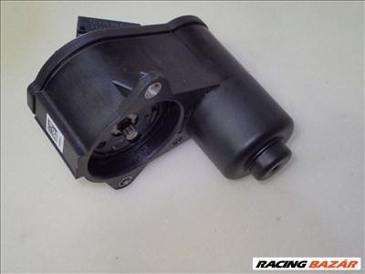 Vw Passat 3C elektromos kézifék motor Passat elektromos féknyereg Passat VI fék