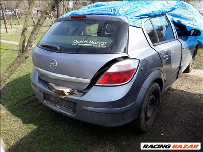Opel Astra H bontás,lámpa motor,kárpit,lökhárító,sárvédő,ajtó,tető