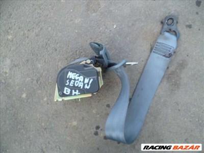 renault megane 1 claassic 98 bal hátsó biztonsági öv