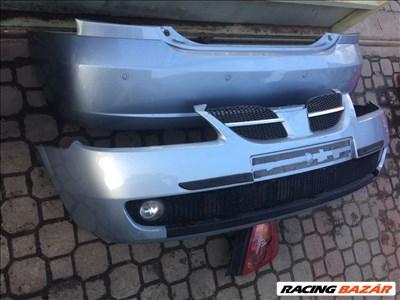 Nissan Almera 2004-évj. bontott alkatrészei: sárvédő, ajtó, motorháztető, lökhárító, lámpa, tükör.
