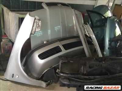 Skoda Octavia 1997-2004 bontott alkatrészei: lökhárító, ajtó, motorháztető, sárvédő, homlokfal,