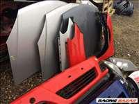Opel Astra H bontott alkatrészei: motorháztető, sárvédő, ajtó, lökhárító, csomagtér ajtó.