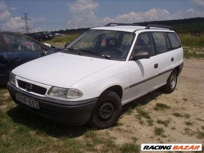 Opel Astra F bontásra egyben eladó