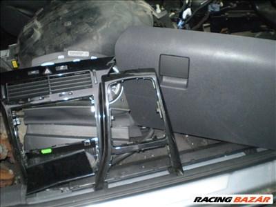 Opel Astra H GTC  bontott alkatrészei