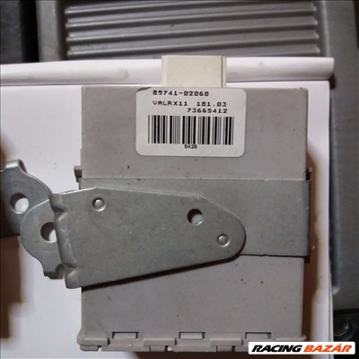 Toyota Corolla központi zár vezérlő 89741-02060 8974102060