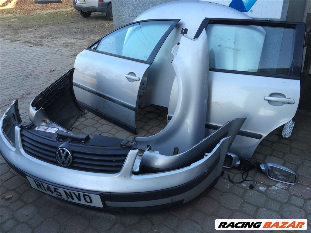 Volkswagen Passat IV 1.8 motorháztető  4. nagy kép
