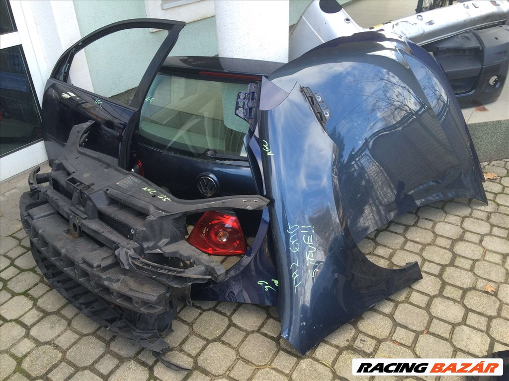 Volkswagen Golf V 1.6 motorháztető  10. nagy kép