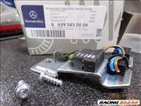 Mercedes 639-es tolatólámpa kapcsoló A6395450006