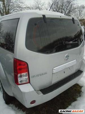 Nissan Pathfinder, 2.5 Dci, hátsó lökhárító, hátsó lámpa eladó
