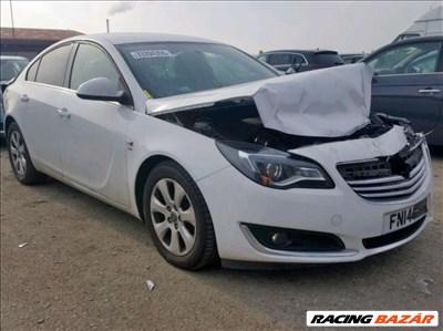 Opel Insignia A fehér első és hátsó ajtók