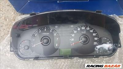 Hyundai Elantra benzines gyári kilométeróra eladó. 940162D200