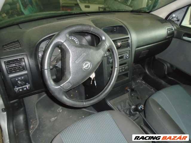 Opel Astra bontott alkatrészei 7. nagy kép