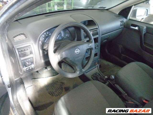 Opel Astra bontott alkatrészei 5. nagy kép