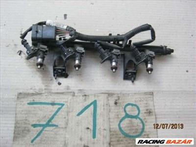 Renault 1.2i 16V 04`-13` Injektor