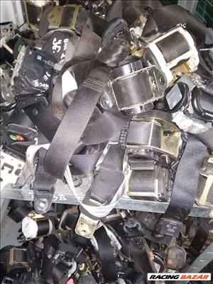 Opel Astra H Biztonsági öv