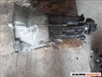 BMW 318d 5 sebességes kézi váltó