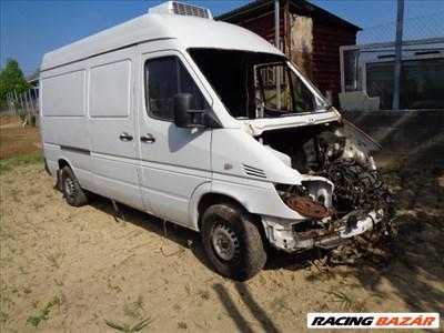 Mercedes Sprinter bontott alkatrészei