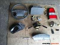 Mazda Demio (DW) 1.4 kormány