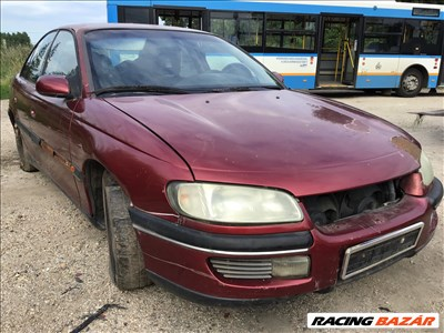 Opel Omega B bontott alkatrészei