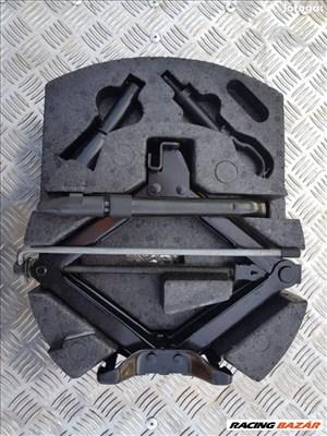 Ford mondeo gyári komplett emelő szett kerékulcs vonószem mk4
