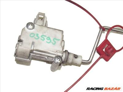 AUDI A4 (8E2, B6) 1.9 TDI tankajtó zár motor