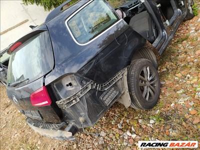 VW Passat B7 negyed Nagytető jobb hátsó vágott negyed tankajtó