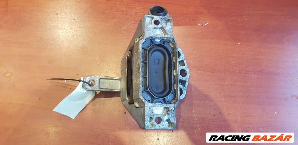 Opel Insignia A jobb motortartó bak 13227717 1. kép