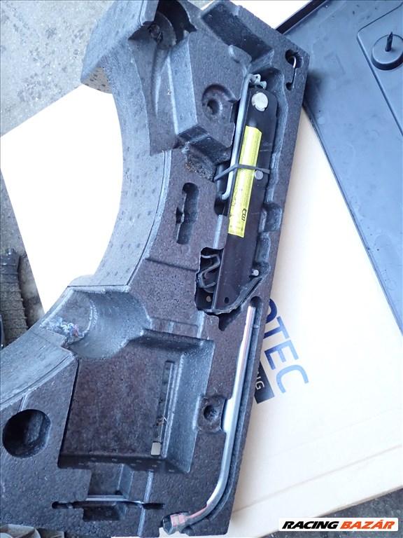 Vw Passat B6 B7 gyári szerszámos doboz 2. kép