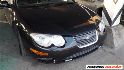 Chrysler 300M karosszéria elemek motorháztető ajtó lökhárító sárvédő lámpa futómű stb