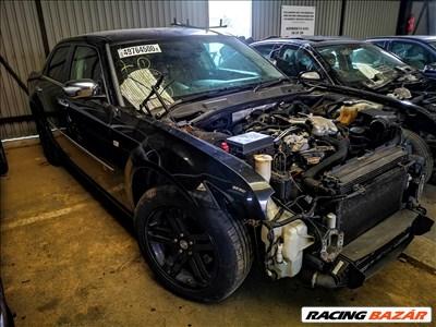 Chrysler 300C bontott alkatrészei