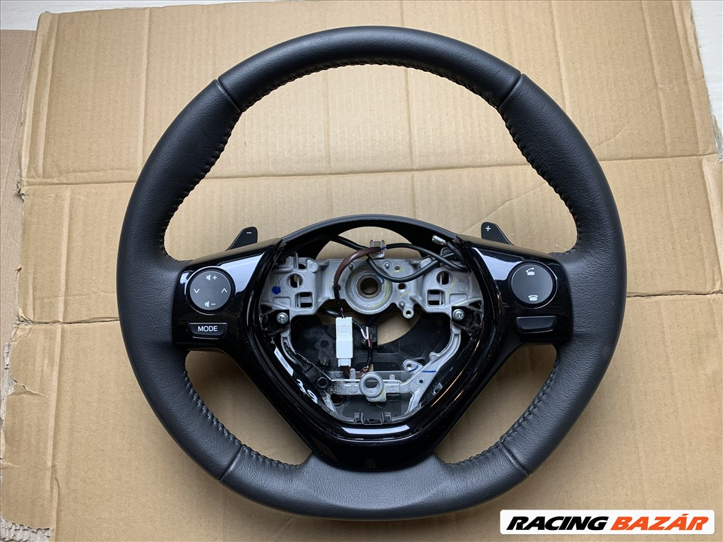 Toyota Aygo (2nd gen) bőr multikormány  1. nagy kép