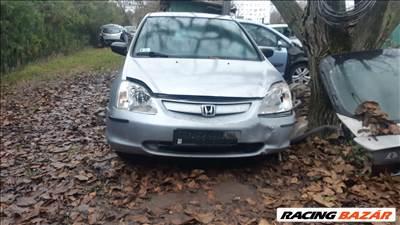Honda Civic (7th gen) bontott alkatrészei
