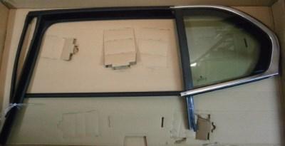Skoda Superb II hátsó ajtó fix üveg bal