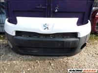 Peugeot Partner első lökhárító eladó.