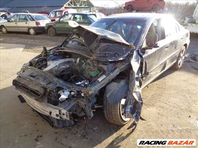 Volvo S60 bontott alkatrészei