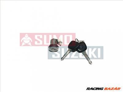 Suzuki Samurai Jobb első ajtózár 82200-84850