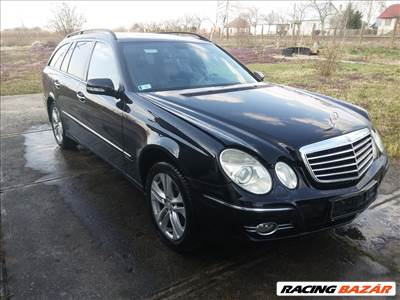 Eladó Mercedes E 320 CDI T-Modell 4-MATIC (2987 cm³, 224 PS) (W211)