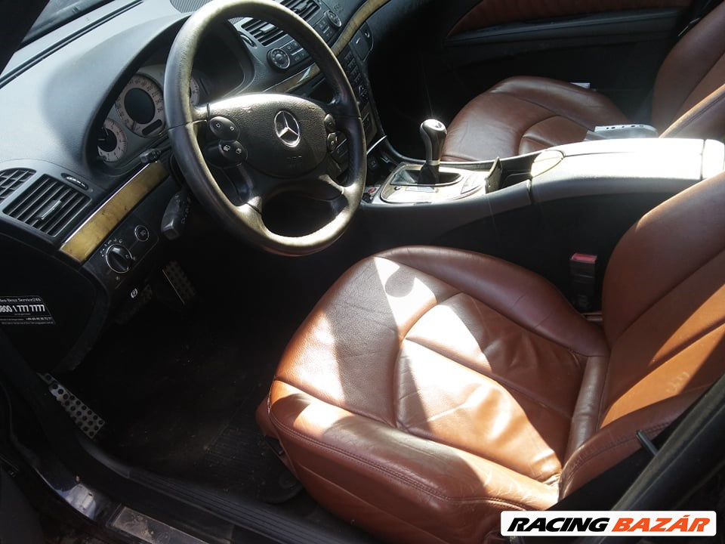Eladó Mercedes E 320 CDI T-Modell 4-MATIC (2987 cm³, 224 PS) (W211) 2. nagy kép