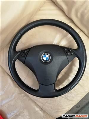BMW 530d xDrive kormány és légzsák