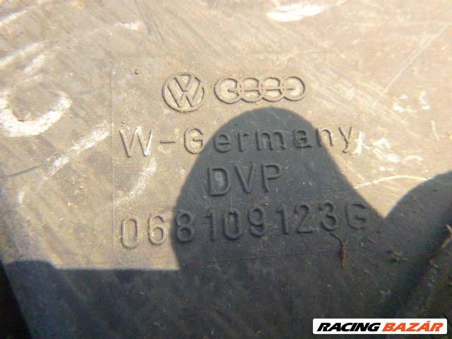 Volkswagen Golf II 1,6 DIESEL KÜLSŐ FELSŐ VEZÉRMŰBURKOLAT 068 109 123 G 1. nagy kép