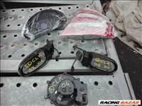 Mercedes CLK-osztály Tükör, fűttö motor, óra csoport, hátsó lámpa.