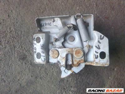Honda Civic (6th gen) 1998 motortér zár