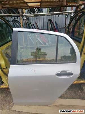 Toyota yaris bontott ajtó.