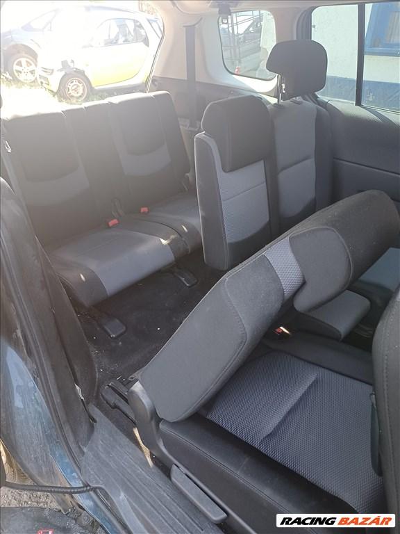 Mazda 5 bontott alkatrészei 4. kép