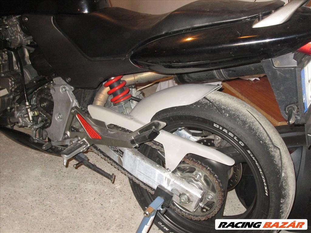 Honda Hornet 600 hasidom, hátsó sárvédő 5. kép
