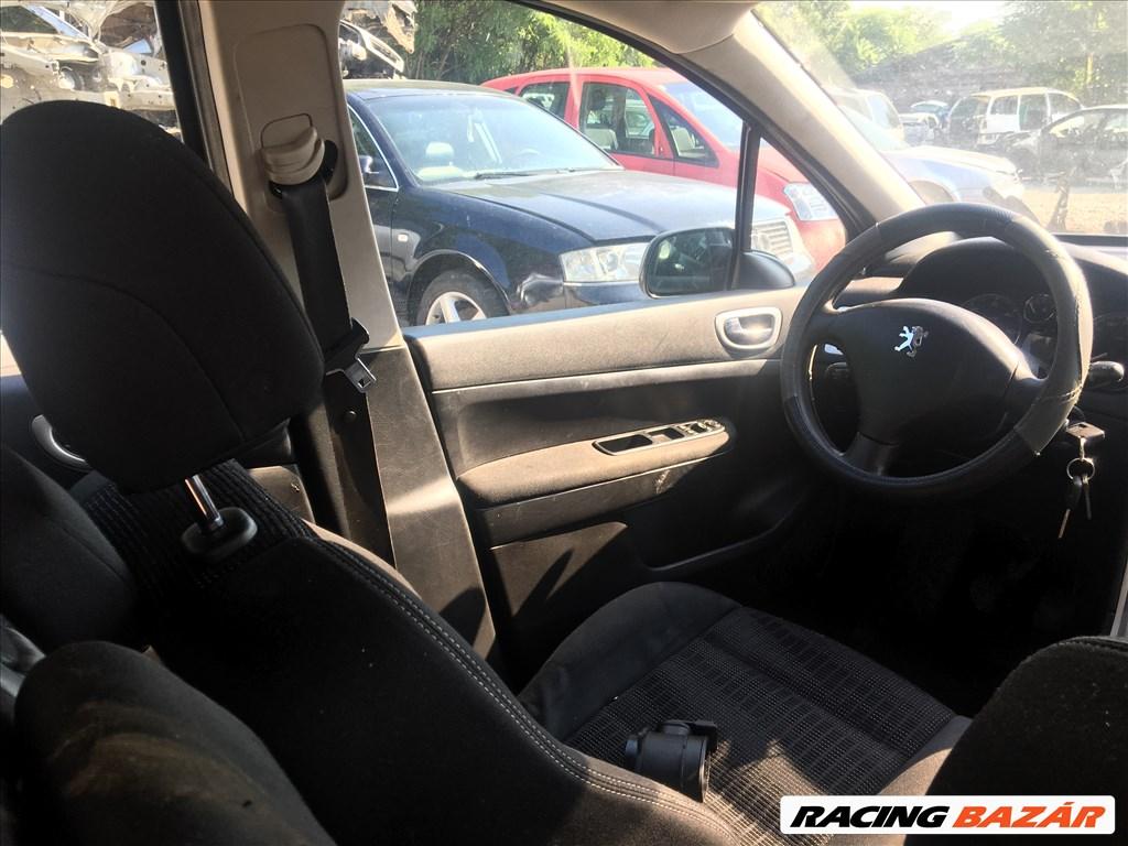 Peugeot 307 1,6 diesel autó bontásra egyben eladó 7. kép